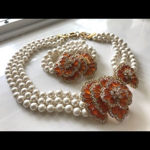 🎁JCrew Pearl Floral medallion N/lace Bracelet set